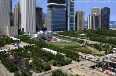Millennium-Park-and-chicago-skyline1