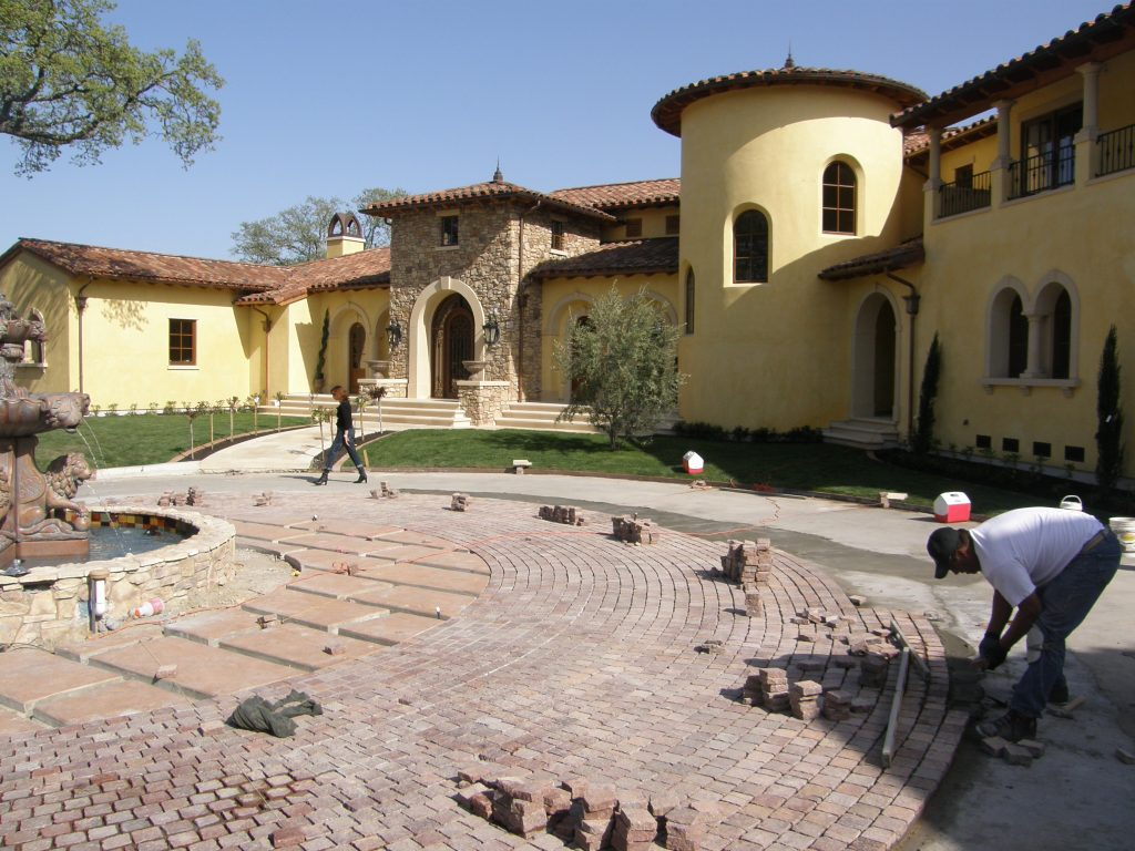 Alamo, CA Installing the Copper Mt Porphyry as we move along with the radius running bond pattern.